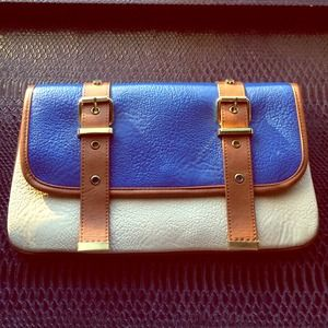 Steve Madden Clutches & Wallets - Steve Madden Blue & Tan Clutch