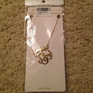 Accessories - Initial T necklace
