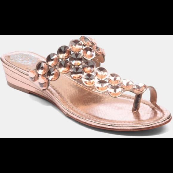 7efb1e4aa99 Vince camuto itta sandals rose gold. M 52de1e2ba652b151d60f55db