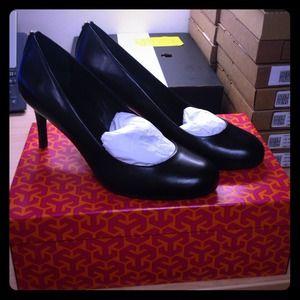 Brand new Tory Burch heels! Never worn!