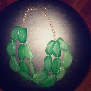 Three strand green statement necklace