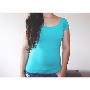 Thalia Sodi Tops - basic v-neck top