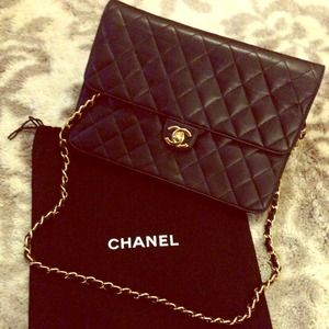 NO LONGER AVAILVintage CHANEL flap