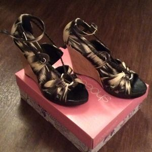 Shoedazzle Shoes - Fabulous wedges!
