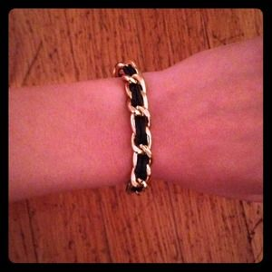 Jewelry - Gold leather chain bracelet