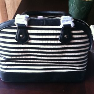 Brand new black n white striped purse!!