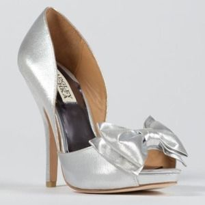 Badgley Mischka metallic peep toe pumps $235 NIB