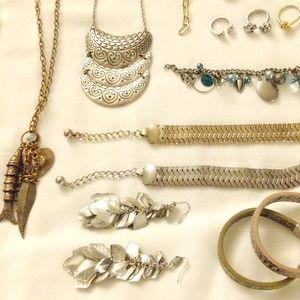 Mango Jewelry - Statement silver leaf earrings