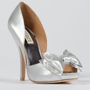 Badgley Mischka metallic peep tie pump $235 NIB