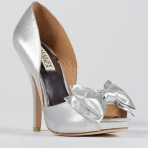 Badgley Mischka metallic peep toe pump $235  NIB 8