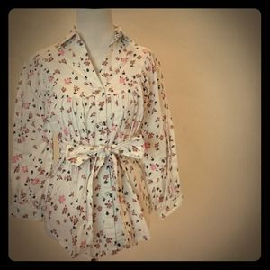 Built by Wendy Tops - Sweet Romantic Floral Blouse with Matching Tie