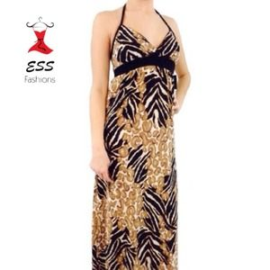Dresses & Skirts - NWT Chic maxi dress!
