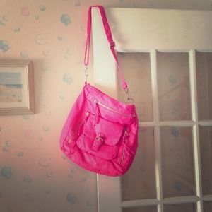 Handbags - Nwt adorable hot pink purse