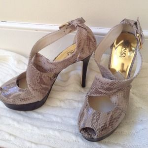 Michael Kors snakeskin pumps. Never worn!