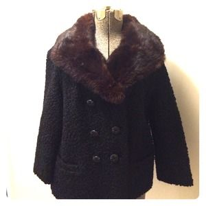 REDUCED! 60s Black Boucle Wool Jacket w/Fur Collar