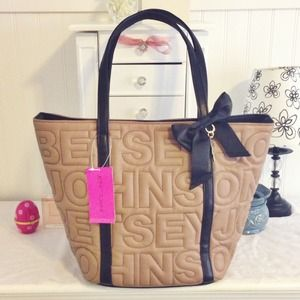 FLASH SALE! Was $78  NWT Betsey Johnson Tote