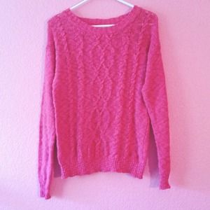 URBAN OUTFITTERS PINK SWEATER