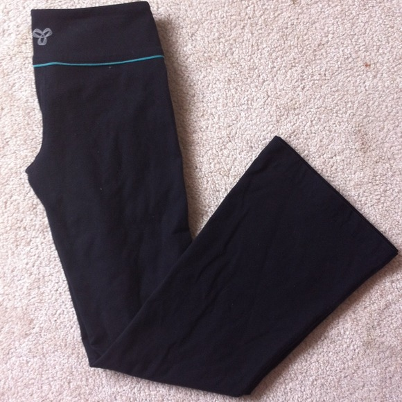 71% off TNA Pants - black w/ teal TNA yoga pants from Kamiko's ...