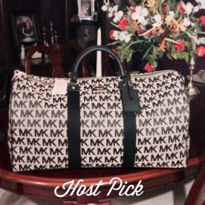 Michael Kors Handbags - 🎉Host Pick🎉 Michael Kors Duffel Bag NWT