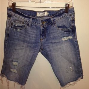 Abercrombie & fitch distressed denim short