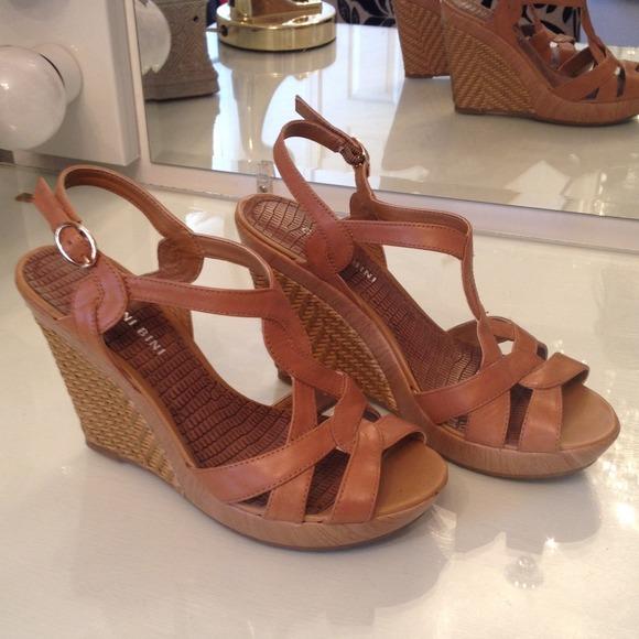 1011c4c88e Gianni Bini Shoes - Gianni Bini wedges/sandals