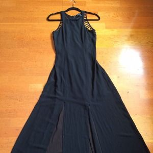 Dresses & Skirts - Sexy black classy maxi dress. Size S. Nwot