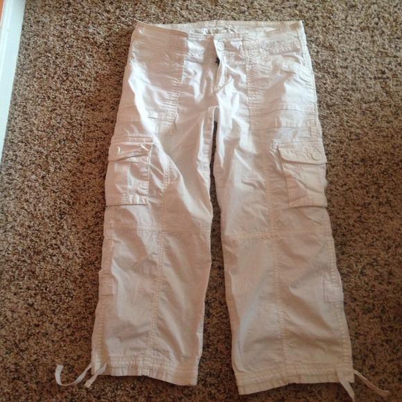67% off Hollister Pants - 🚫Bundled/Sold🚫Hollister white cargo ...