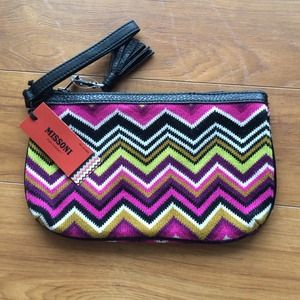 Missoni Clutches & Wallets - Missoni knit clutch