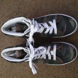 JC Play Shoes - JC Play platform cammo shoes