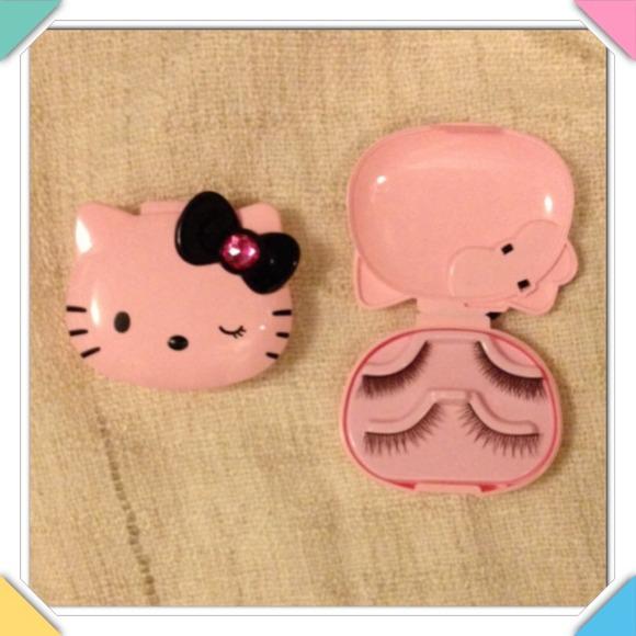 023c2dba2 Hello Kitty Accessories   Nwt False Eyelash Carry Storage Case ...