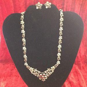 Vintage inspired rhinestone necklace & earring set
