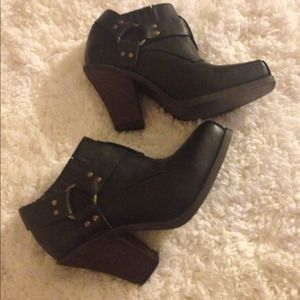 "Jeffrey Campbell Shoes - 🎉HOST PICK🎉Coveted Jeffrey Campbell ""rumi"" boot"
