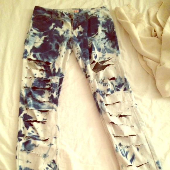 50% off Denim - DIY - distressed , bleached jeans from Oye's ...