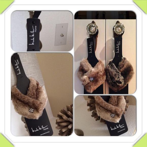 ce6553931d63 Faux Fur Wine Bottle Stole w Rhinestone Brooch
