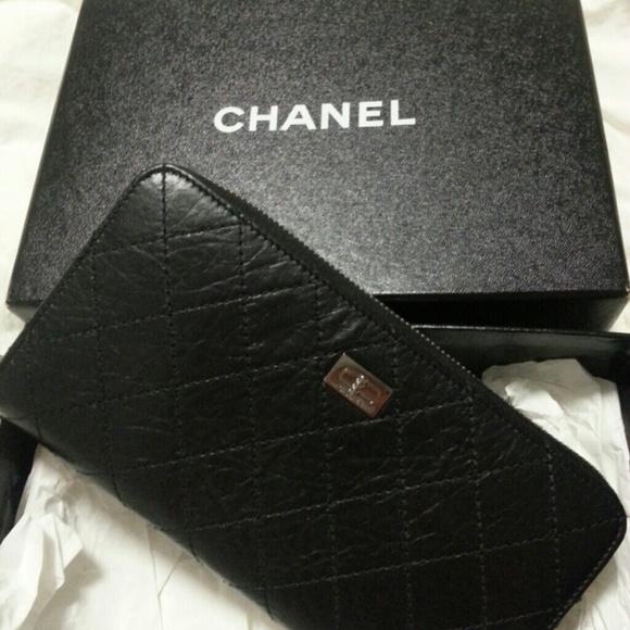 2d6fb56b3f81 CHANEL Bags | Sold Authentic Lgusset Zip Wallet | Poshmark