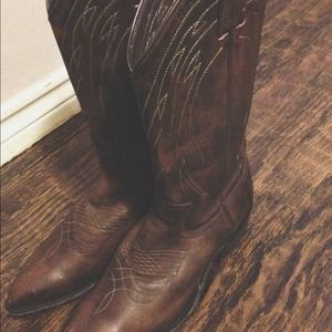 Frye Boots - Frye Billy Pull over cowboy boots