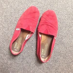 ❌HOLD Red TOMS
