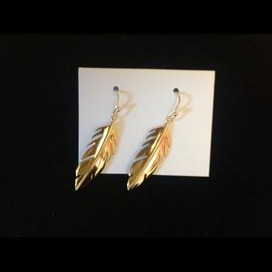Jewelry - Leaf earrings.  Gold or silver