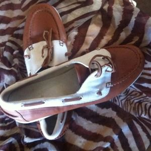 Womens Leather meets canvas slip ons