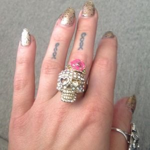 Authentic Betsey Johnson skull ring