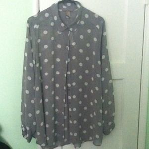 ❌Sold❌H&M Plus Polka Dot button down blouse