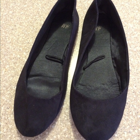 f961d316b9e H M Shoes - H M suede like black basic ballet flats