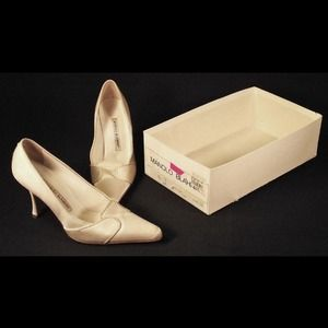 Authentic Manolo Blahnik Satin Shoes