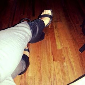 URBAN OUTFITTERS Platform heels