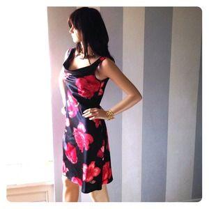 Esprit Darling cowl-neck dress