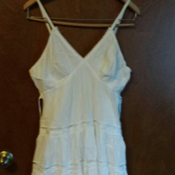 e67e8a371e4 Cute Options Dresses   Skirts - Reduced Cute Options White cotton dress