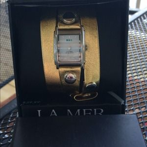 La mer women's Gold wrist wrap watch..GORGEOUS!