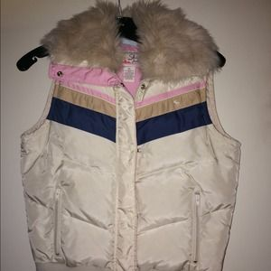 Abercrombie down vest with faux fur collar.