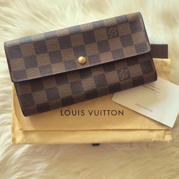92c7fa0a7d7c Louis Vuitton Clutches   Wallets - Authentic Louis Vuitton Sarah Wallet  Damier Ebene
