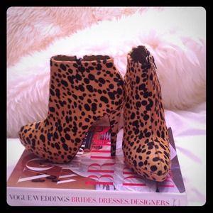 Topshop leopard booties!